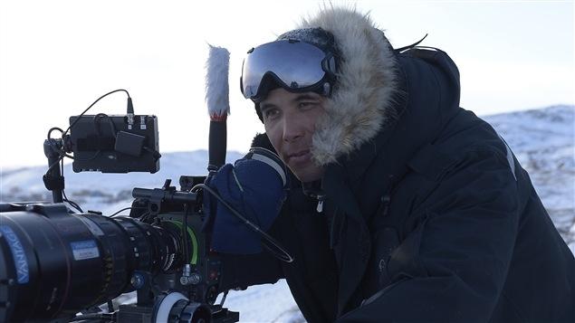 Le réalisateur Kim Nguyen lors du tournage de « Two Lovers and a Bear ».