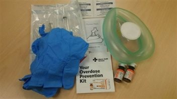 The increase in fentanyl overdose deaths prompted the government of Alberta to hand out 371 antidote kits in the second half of 2015. Other provinces are considering similar measures.