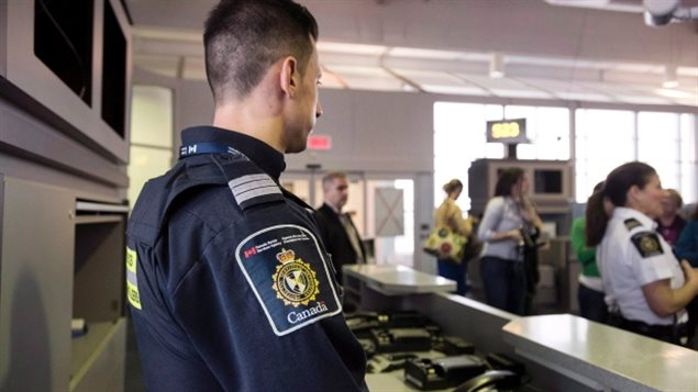 Border security agents now have access to the Canadian Police Information Centre database at primary inspection points. Roughly 1,800 people with outstanding warrants have been flagged since the database was implemented a month ago