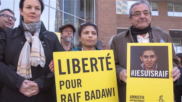 Manifestation en soutien à Raif Badawi à Montréal