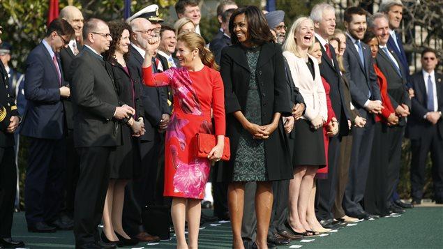 Sophie Grégoire-Trudeau a porté une robe du designer torontois Lucian Matis lors de son passage à la Maison-Blanche