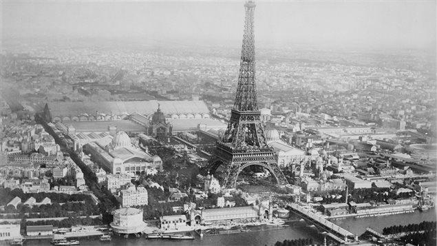 Paris, vue des airs en 1889 durant l'Exposition universelle