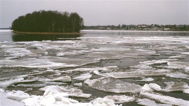 Torne River taken in the spring of 2003 in Tornio