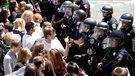 Des manifestants hostiles accueillent Donald Trump en Californie