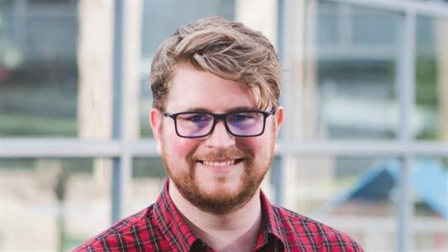 Josh Tabish es el director de campañas en la organización canadiense de la sociedad civil OpenMedia.