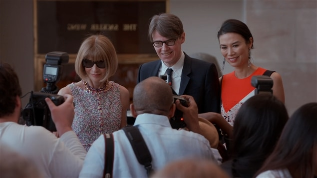 Anna Wintour, Andrew Bolton et Wendi Murdoch dans <i>The First Monday in May</i>, d'Andrew Rossi