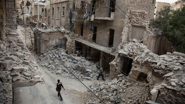 Alep bombardeada