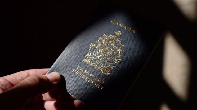 Si vous voulez augmenter vos chances d'immigrer au Canada et accélérer un processus qui peut prendre jusqu'à 5 ans en ce moment, mieux vaut miser sur l'immigration au Canada dans la catégorie du regroupement familial.