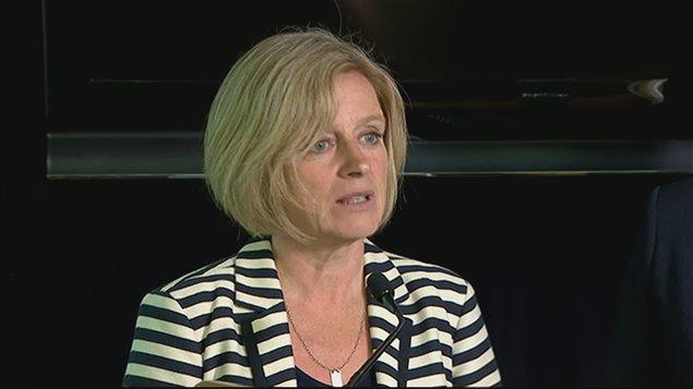 La première ministre de l'Alberta Rachel Notley a fait le point sur la situation jeudi, en fin d'après-midi.