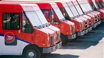 Postes Canada : l'équité salariale n'est pas négociable, dit laministre Mihychuk