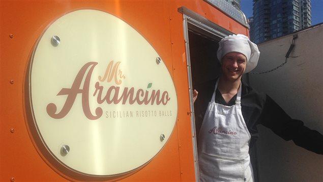Yannick Cudennec et son camion de cuisine de rue Mr Arancino