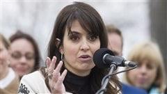 Véronique Hivon annonçant sa candidature à la direction du PQ à Joliette.
