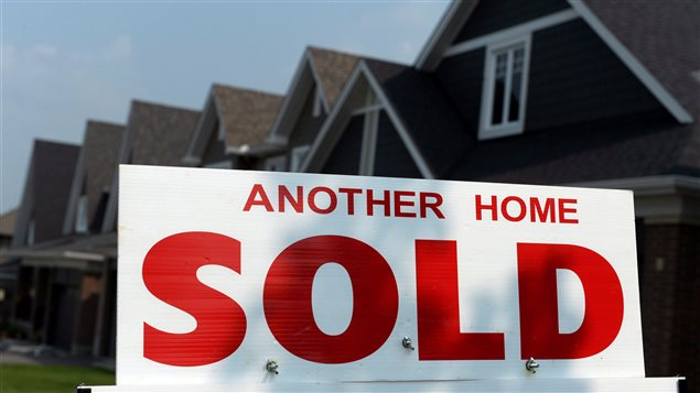 The number of homes sold via Canadian MLS® Systems fell 6.7% in June 2017, the largest monthly decline since June 2010, the Canadian Real Estate Association said Monday.