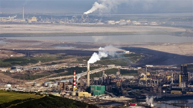 An imposed price on carbon would be bad for Canada's oil and gas industry, argues the premier of the province of Saskatchewan.