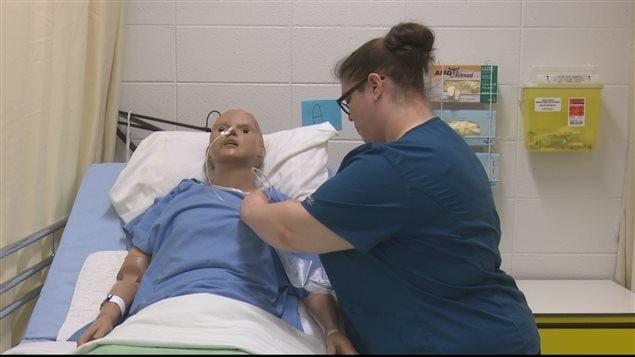 Formation en assistance aux personnes en établissement de santé