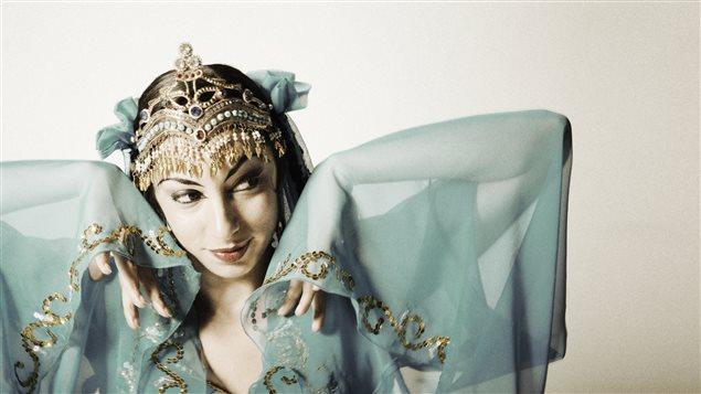 Volet international du festival Accès Asie : Miriam Peretz est venue de San Francisco pour offrir un spectacle de danse et de chorégraphie persiques le samedi 28 et dimanche 29 mai 2016