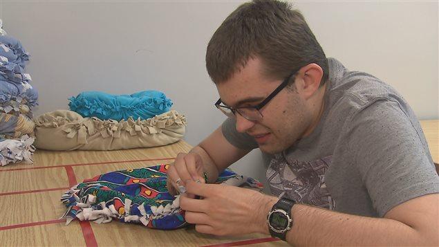 Une atelier de formation pour la fabrication de coussins.