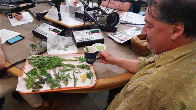 Le Chef Jean-Claude Chartrand et ses fines herbes.