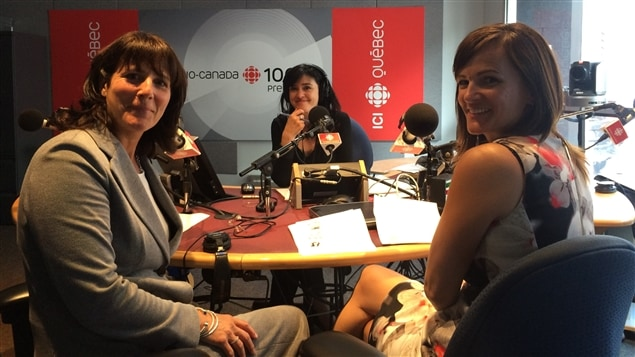 Sophie Brochu, présidente et chef de la direction chez Gaz Métro et Leader de l'Effet A et Valérie Bornais de la Banque de développement du Canada, en compagnie de l'animatrice Catherine Lachaussé.