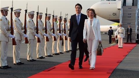 Le premier ministre du Canada Justin Trudeau et sa femme Sophie Grégoire arrivent au Japon le mois dernier.