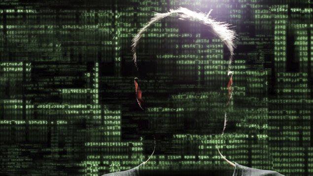 Les pirates qui ont accès aux données personnelles des utilisateurs peuvent aller jusqu'à voler leurs informations bancaires pour solliciter un crédit