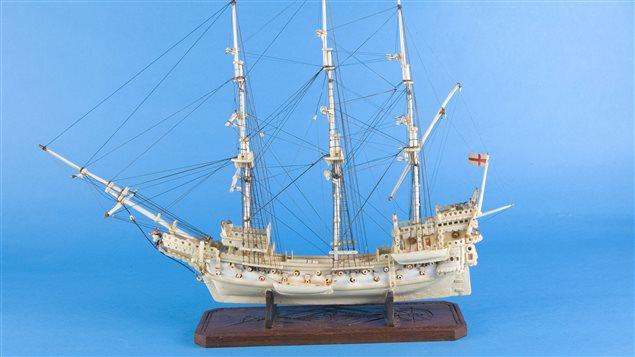 Weymouth, vaisseau de 2 ponts. Dat� de la seconde moiti� du 18e si�cle. Photo tir�e du livre, La collection Lecouvie-D�ry:Flottille d'ivoire arctique