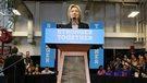 Les Américains risquent la récession avec Trump, selon Clinton