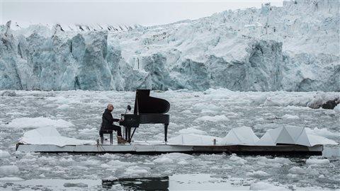 L'ONG Greenpeace a organisé en juin dernier un concert de piano historique sur l'archipel norvégien de Svalbard. Objectif : sensibiliser à la protection de l'Arctique, durement touchée par le réchauffement climatique.