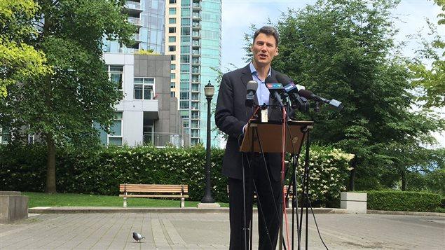 Le maire de Vancouver Gregor Robertson annonce que la Ville souhaite taxer les maisons vacantes avec ou sans l'appui de la province.