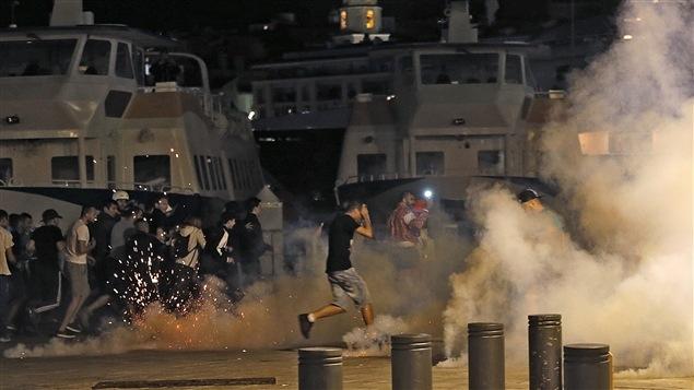Photo des affrontements entre partisans russes et anglais qui ont secoué le centre de Marseilles en marge de l'Euro 2016, le 11 juin dernier