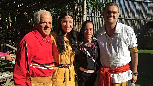 De gauche à droite: Rolland Sioui, Aroussen Gros-Louis, Isabelle Sioui et Dominic Ste-Marie.