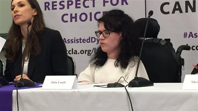 La plaignante Julia Lamb de Chilliwack,CB, 25 ans est atteinte d'amyotrophie spinale