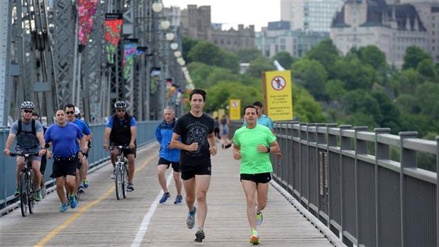 Justin Trudeau, le premier ministre du Canada et Enrique Pena Nieto, président du Mexique, lors d'un jogging matinal à Ottawa