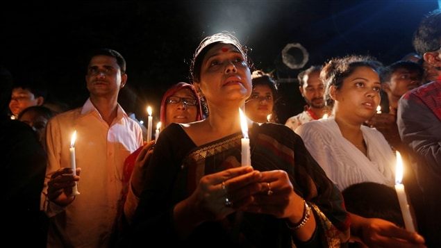 Segundo día de duelo nacional en Bangladesh después del sangriento atentado en un restaurante de Dacca, la capital.