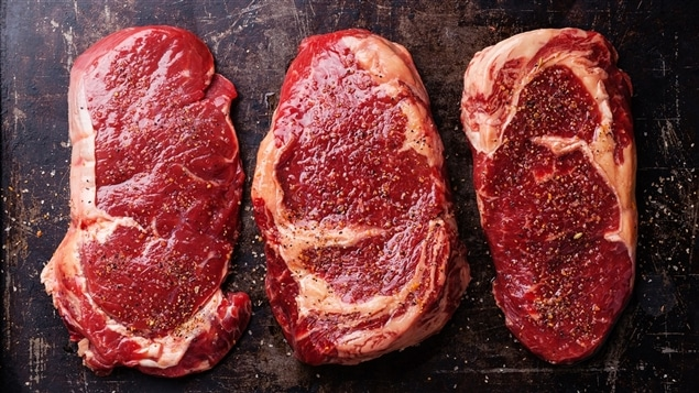 Trois steaks