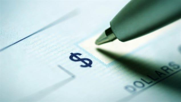Dans la région Atlantique, 59 % des répondants vivent d'un chèque de paie à l'autre et pour un tiers (33 %), il serait difficile d'obtenir 2 000 $ si une urgence survenait (plus que n'importe où au Canada).