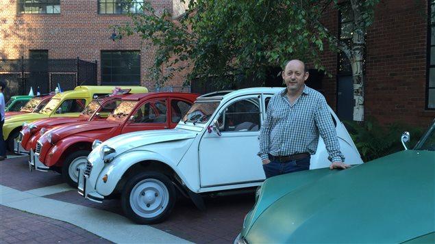 Lionel Hondier restaurateur de voitures anciennes francaises et anglaises.
