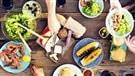 8 facteurs qui distinguent les deux solitudes dans l'assiette