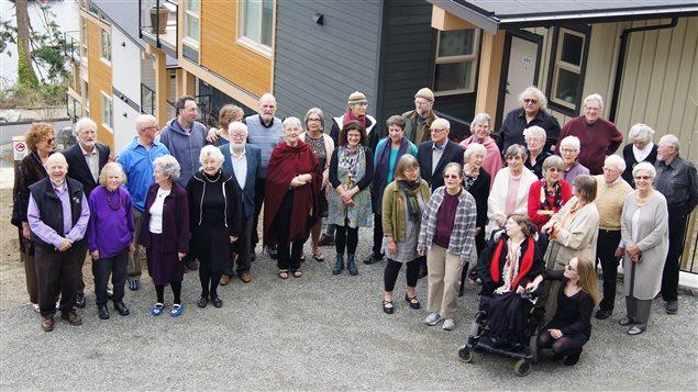 Vieillir en communauté : une nouvelle forme de microsociété