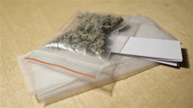 Selon Jean-Sébastien Fallu, la consommation de cannabis synthétique entraîne plus que tout autre stupéfiant une consultation en urgence aux États-Unis depuis les dernières années.