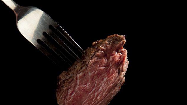 On conseille aux Canadiens de ne pas manger plus de 450 grammes ou une livre de viande rouge par semaine.