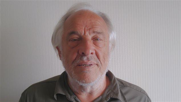 """El documentalista francés Daniel Mermet, autor junto a Olivier Azam de la película """"Howard Zinn, una historia popular estadounidense. El pan y las rosas""""."""
