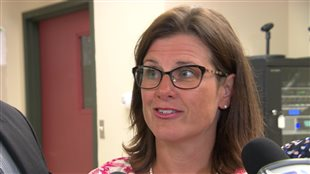 La ministre Vallée a annoncé une enveloppe supplémentaire de 2,2 millions de dollars pour le soutien à domicile en Outaouais.