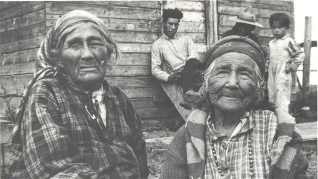 Deux femmes autochtones