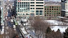 La place de l'Université-du-Québec dans le quartier Saint-Roch.