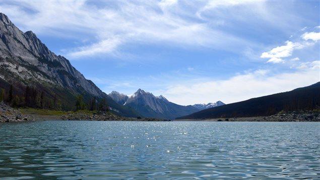 Le lac Medicine au parc national Jasper.