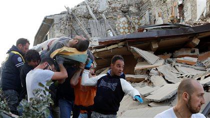 Un séisme fait au moins 38 morts dans le centre de l'Italie