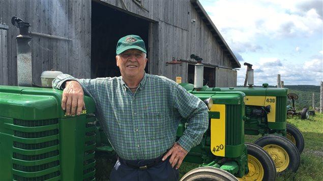 Gilles Dufour possède des centaines d'outils et de machineries agricoles d'antan