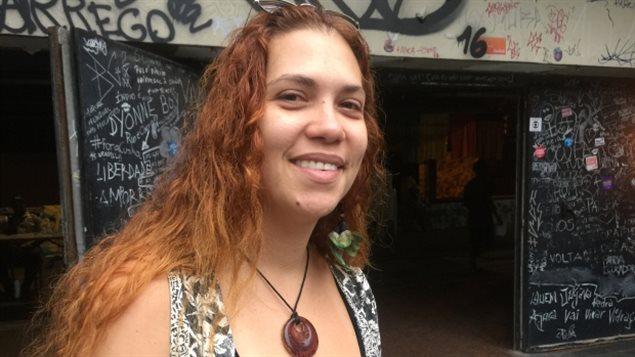 Lisa Brito, una profesora de 36 años, es una de las manifestantes.
