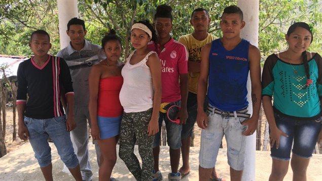 Sesión de trabajo con jóvenes en el corregimiento de La Haya, San Juan Nepomuceno, Bolívar